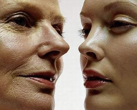 عواملی که ناخواسته زودتر پیرتان می کند, گوش کردن موسیقی از طریق هدفون