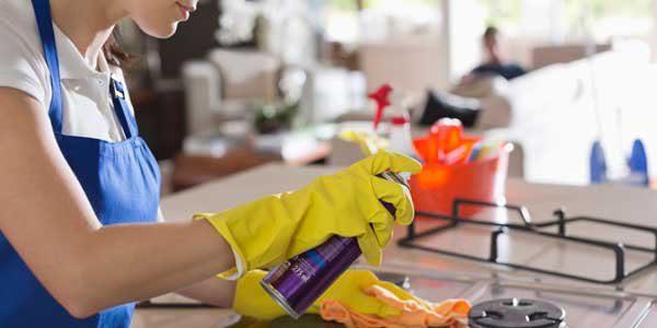 چگونه خراش های روی اجاق گاز را از بین ببریم ؟, home, توصیه های خانم خانه دار برای تمیزکردن گاز, چگونه خراش های روی اجاق گاز را از بین ببریم ؟, خانم های خانه داری و مشکل خراش گاز