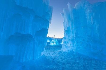 پارک یخی زمستانی در کانادا,عکس های پارک یخی زمستانی در کانادا,تصاویر پارک یخی