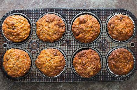 مواد لازم برای کاپ کیک سیب و هویج, طرز تهیه کیک های میوه ای