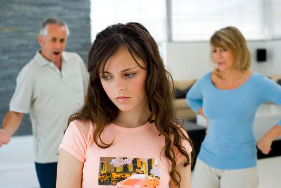 این علائم را در روابط نوجوانان جدی بگیرید