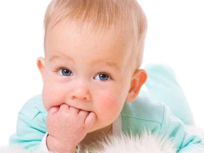 علائم دندان در آوردن در کودکان,تب دندان در آوردن