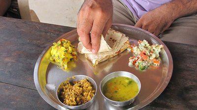 هندی ها چگونه غذا میخورند!؟, رسوم مختلف