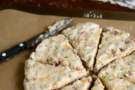طرز تهیه کیک مرغ پنیری(اسکون مرغ)