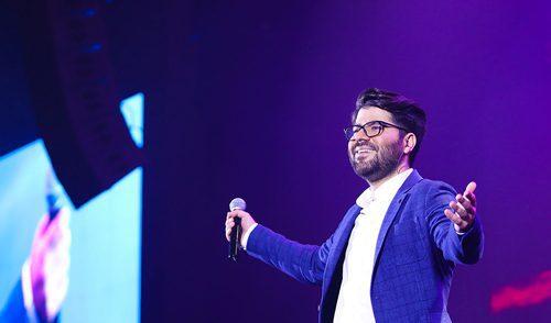 گفتگو با حامد همایون، خواننده جوان موسیقی پاپ, گفتگو با هنرمندان