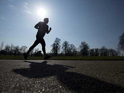 ۵ مورد از بدترین کارهایی که میتوانید قبل از دویدن انجام دهید, دانستنی های ورزشی