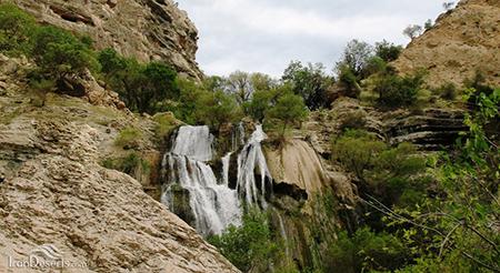 تنگ تامرادی,آبشار تنگ تامرادی
