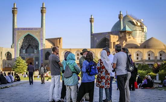 ایران مقصدی گرانتر از اروپا و آمریکا برای چینیها