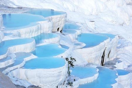 روستای Pamukkale در ترکیه,حوضچه آب گرم در ترکیه,چشمه های آب گرم در ترکیه