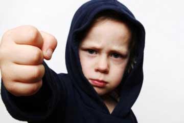 احساسات ناخوشایندی که کودک باید تجربه کند