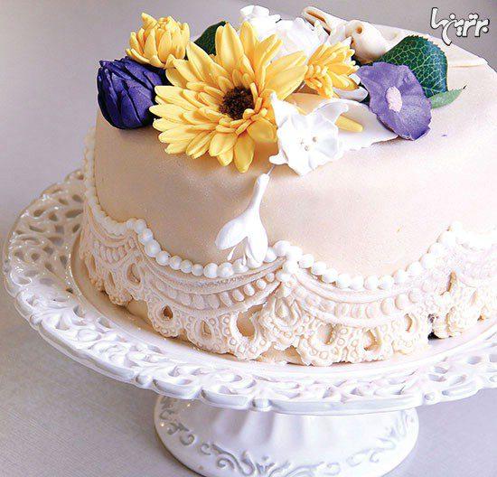 کیک شیفون با تزیین گل