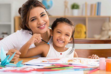 حرف شنوی کودکان,حرف شنو کردن کودکان,بازی با کودکان در سنین مختلف