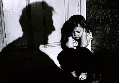 آزار جنسی در کودکان,نشانه های آزار جنسی در کودکان,تجاوز به کودکان