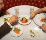 چند نکته ساده برای سالم غذا خوردن در رستوران