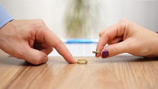 طلاق، فرزند هویتهای ناقص است