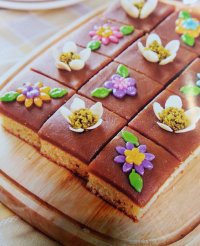 چگونه حلوا کیک خوشمزه بپزیم؟, cake, cook, آشپزباشی, آشپزی ايرانی, آشپزی ايرونی, آموزش پخت کیک و شیرینی, آموزش شیرینی پزی, درست کردن شیرینی, دستور پخت, سايت آشپزی ايرونی, شیرینی پزی, طرز تهیه, طرز تهیه شیرینی, طرز تهیه شیرینی ایرانی, طرز تهیه کیک, کیک, مواد لازم
