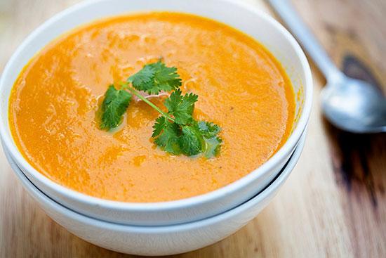سوپ هویج و سیب زمینی؛ شام را سبک میل کنید