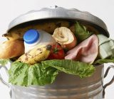 حکم دور ریختن غذاهای اضافی