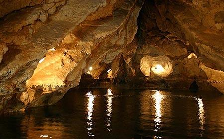 غار,غار در ایران,قوری قلعه