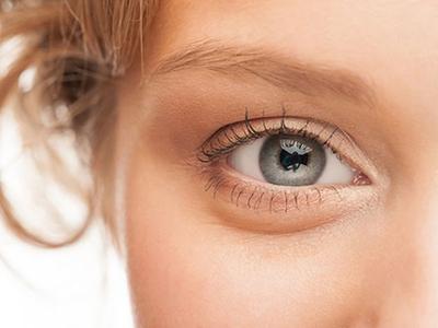 نحوه آرایش چشم ریز