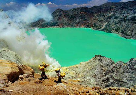 پدیده ای عجیب در آتشفشان ایجن (+تصاویر), آتشفشان, ای, ایجن, به کجا سفر کنیم, پدیده, تصاویر, توریسم, در, راهنمای گردشگری, سفر, عجیب, گردش, گردشگری, مسافرت, مکان های توریستی, مکان های گردشگری