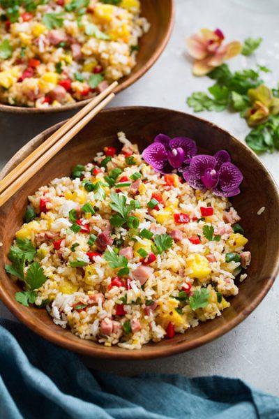 برنج سرخ کرده هاوایی؛ تنوعی از رنگها و مزهها, پخت و پز
