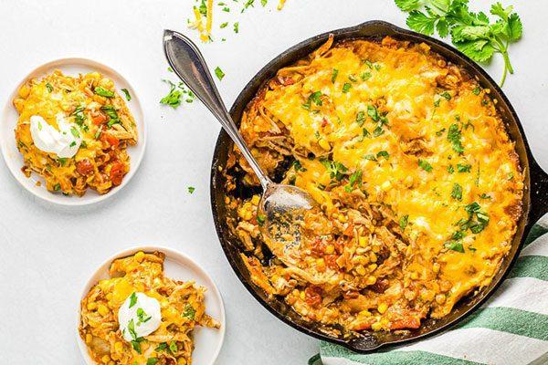 انچیلادای مرغ به روشی سریع در ماهیتابه چدنی