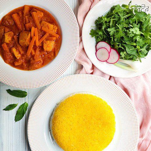 طرز تهیه خورشت هویج با مرغ و آلو, پخت و پز