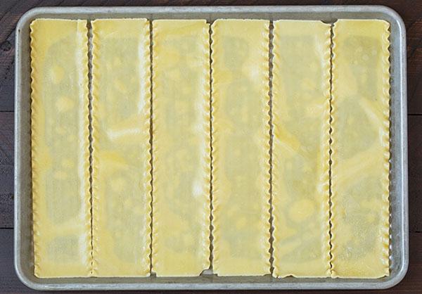 طرز تهیه لازانیا رولی به چندین شکل مختلف