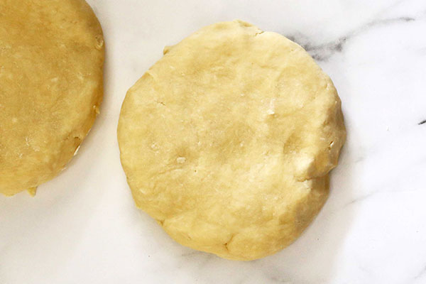 انواع شیرینی پای با میوههای پاییزی