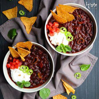 طرز تهیه خوراک چیلی گیاهی با لوبیاسیاه